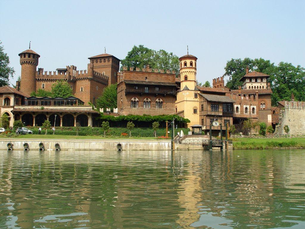 Castello e Borgo medievale Torinos