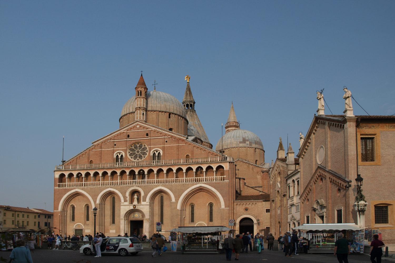 Basilica_Santo_Antonio_in_Padova-mangotour